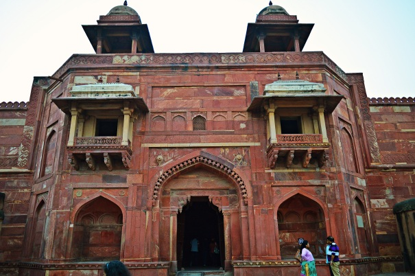 entrance to Jodha Bai palace